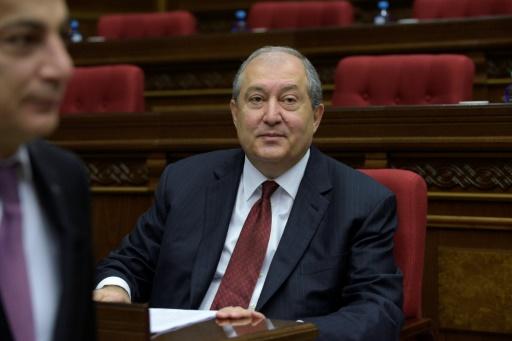 Arménie : les députés élisent un président aux pouvoirs amoindris