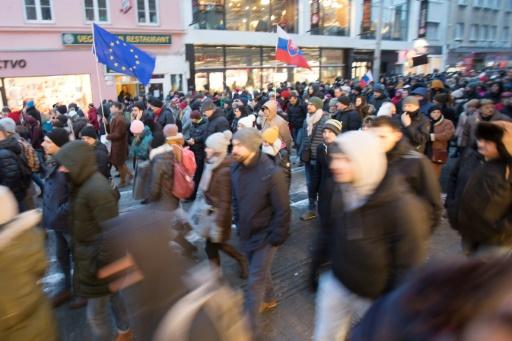 Des milliers de personnes manifestant en Slovaquie après le meurtre du journaliste Jan Kuciak