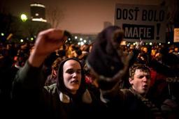 Des milliers de personnes manifestent en Slovaquie après le meurtre du journaliste Kuciak