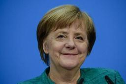 Les membres du SPD approuvent une nouvelle coalition avec Angela Merkel