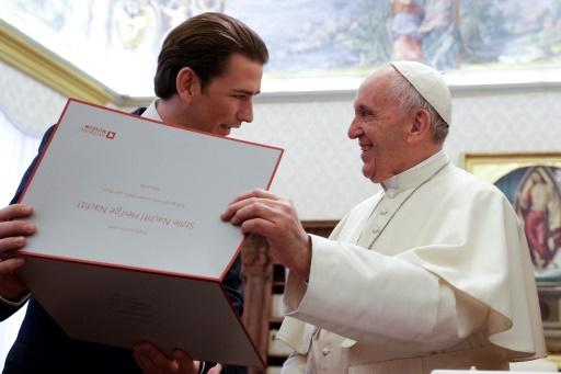 Le pape parle de