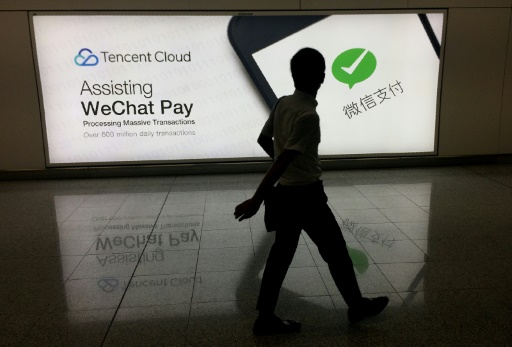 Chine: la messagerie WeChat revendique plus d'un milliard de comptes