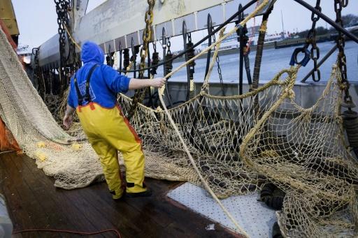 L'Assemblée soutient à l'unanimité l'interdiction de la pêche électrique