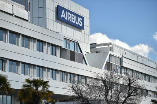 Airbus doit adapter ses effectifs aux creux d'activité de l'A380 et l'A400 M (dirigeant)