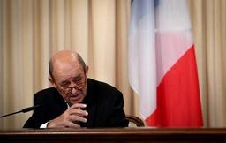 Le ministre français des Affaires étrangères, Jean-Yves Le Drian, quitte le PS