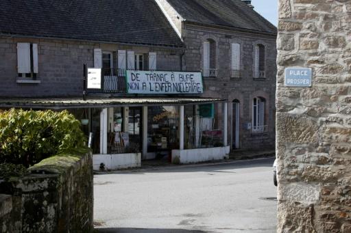 Procès du groupe de Tarnac: 10 ans après, le village corrézien veut