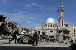 Conflit en Syrie: les prorégimes isolent Douma, la grande ville de la Ghouta orientale