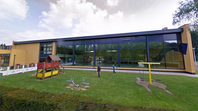 Le hall sportif et la piscine de Leeuw-Saint-Pierre évacués: le bâtiment risque de s'effondrer