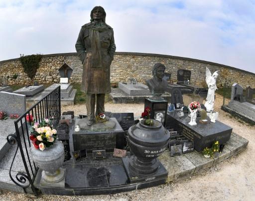 A Dannemois, des fans en pèlerinage pour défendre l'honneur de Claude François