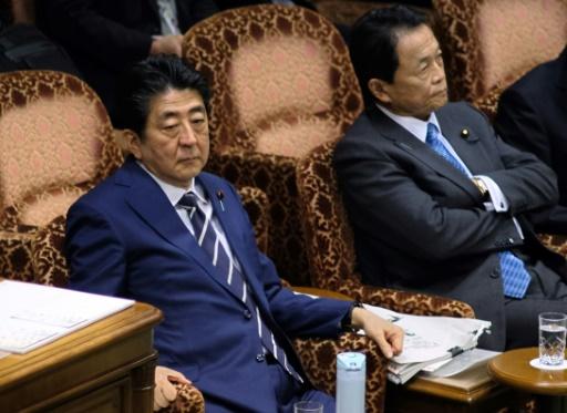 Japon: l'affaire de favoritisme prend de l'ampleur, Abe affaibli