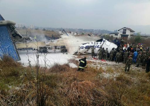 Népal: plusieurs morts dans le crash d'un avion bangladais près de Katmandou
