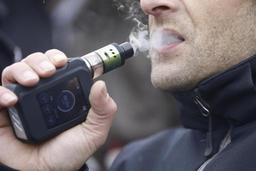 La cigarette électronique toujours interdite de vente sur le net