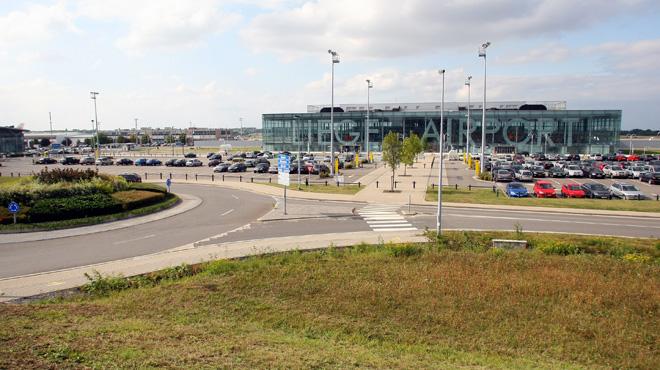 Police, pompiers et ambulances à l'aéroport de Bierset: un mélange de produits chimiques crée la panique