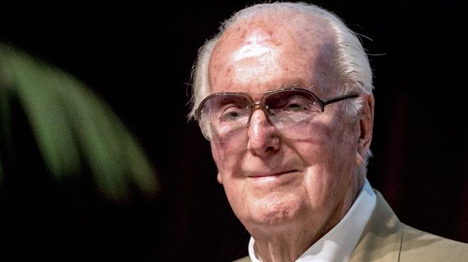 La légende de la haute couture, Hubert de Givenchy, est décédé à l'âge de 91 ans