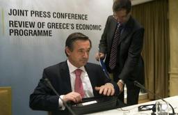 Pacte d'investissement: la Commission attend des précisions du gouvernement Michel