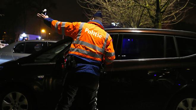 Ivre, un automobiliste appelle lui-même la police à Ohain: son permis lui est retiré