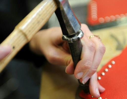 En quête de sens, des jeunes diplômés français plaquent tout pour devenir artisan