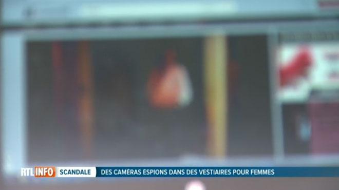 Le pervers qui a filmé des femmes dans les vestiaires d'un centre sportif de Gand a failli être libéré: le parquet a interjeté appel