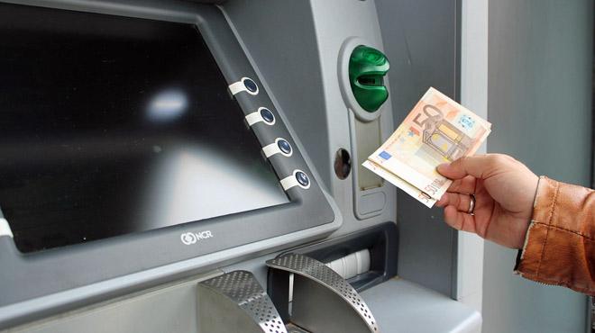 Les frais bancaires ne cessent d'augmenter: en moyenne, c'est 51,60€ par ménage...