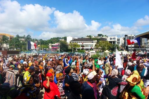 Mayotte: des habitants font des