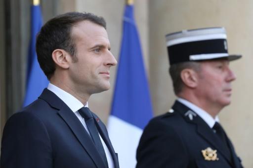 Sondage de popularité: Macron en baisse de 2 points, Philippe de 3