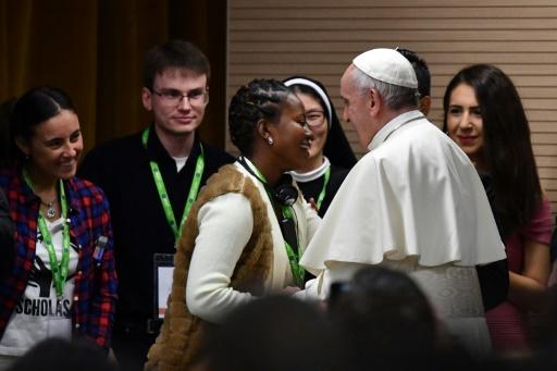 Le pape François s'adresse aux jeunes dans un livre