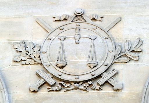 Quand l'amour de l'art mène un sous-préfet au tribunal