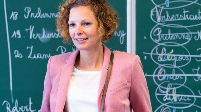 Fusionner géo, histoire, sciences éco et sociales en un seul cours? Plus de 1000 personnes supplient la ministre de faire marche arrière