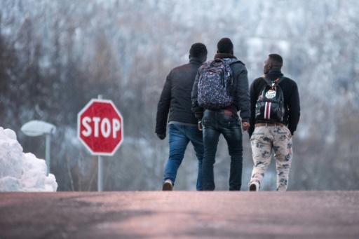 UE: le nombre de demandes d'asile presque divisé par deux en 2017