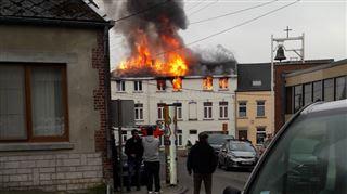 Plusieurs maisons en feu à Lillois à proximité d'une école maternelle- les élèves ont été évacués (vidéo) 4