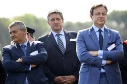 Remplacement des F-16 - Bart De Wever maintient sa confiance en Steven Vandeput et s'en prend au sp.a