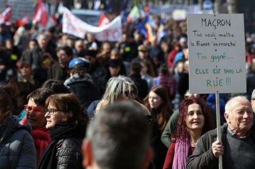 Manifestations parisiennes: les médias adoptent leur propre système de comptage