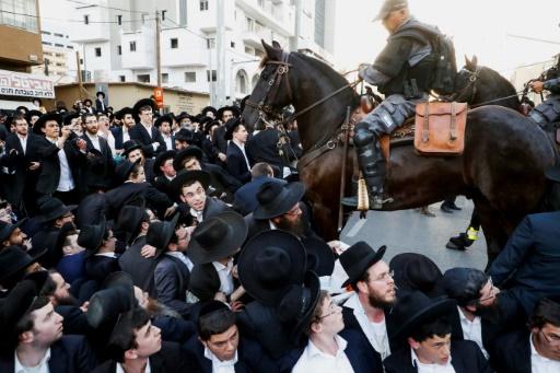 Israël: arrestations d'ultra-orthodoxes manifestant contre le service militaire