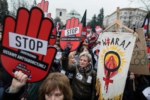 Pologne : manifestations pour le droit à l'avortement en Pologne