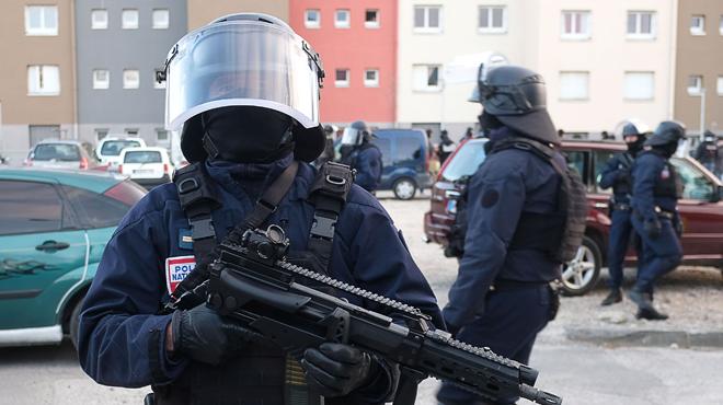 Prise d'otages dans un supermarché en France: Lisbonne annonce que le citoyen portugais touché est blessé et non mort