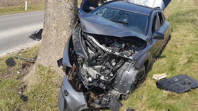 Accident à Merbes-le-Château: la conductrice percute violemment un arbre