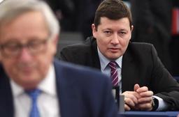 La Commission européenne défend la promotion du bras droit de Juncker