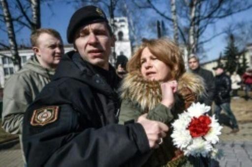 Bélarus: une trentaine d'opposants arrêtés au