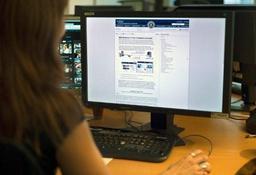Les cybercriminels recrutent les jeunes via les médias sociaux et sur les lieux de sortie