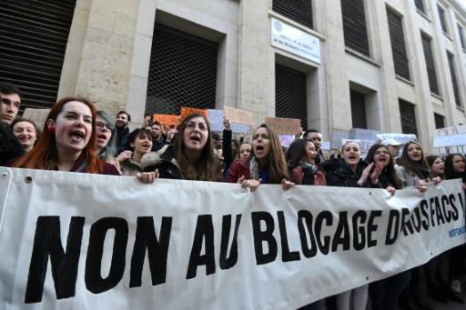 Fac de droit de Montpellier: face-à-face entre étudiants pro et anti-blocage