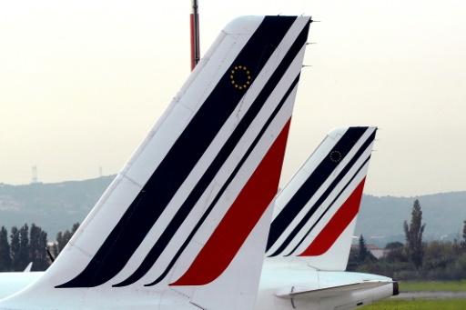 Air France: le bras de fer salarial se durcit, nouvelles grèves les 3 et 7 avril