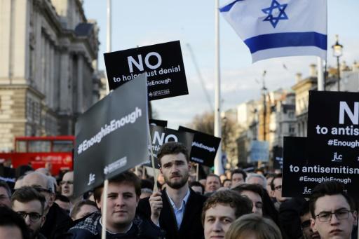 GB: manifestation devant Parlement contre Corbyn, taxé d'antisémitisme