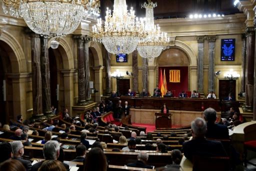 Catalogne: des indépendantistes exigent de pouvoir investir Puigdemont