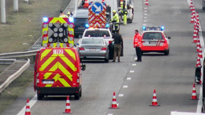 Chaos sur la E314 ce matin: un camion a perdu son chargement d'ABATS en pleine heure de pointe