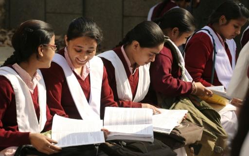 Inde: des millions de lycéens repasseront leurs examens suite à une fuite