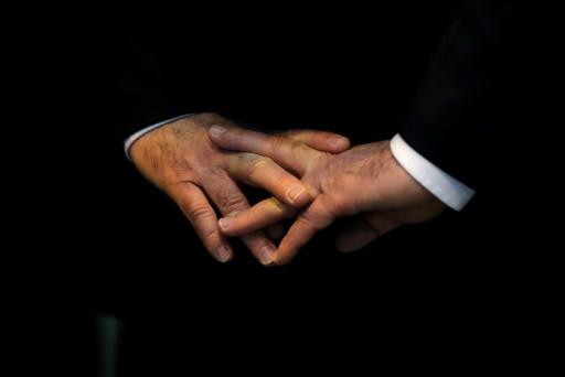 Le mystère des craquements de doigts tient dans de toutes petites bulles