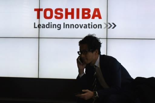 Toshiba: cession de la filiale de puces mémoires retardée à avril