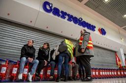 Dix hypermarchés Carrefour en grève samedi