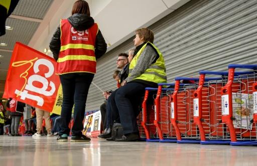 Carrefour: forte mobilisation des salariés pour l'emploi et le pouvoir d'achat