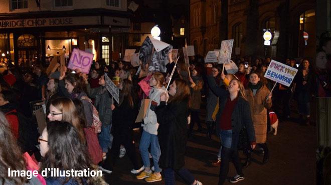 Une manifestation féministe interrompue dans le centre de Bruxelles: 70 femmes interpellées